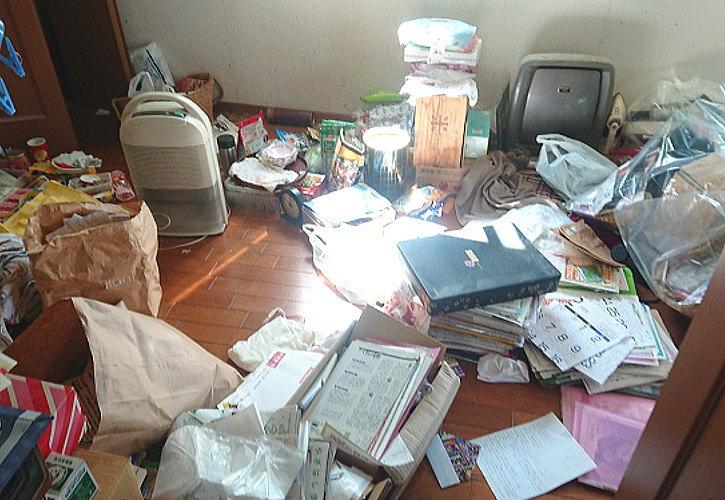 行田市認知症母の部屋片づけ作業