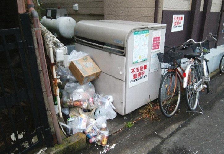 川口市ゴミ置き場不法投棄の回収