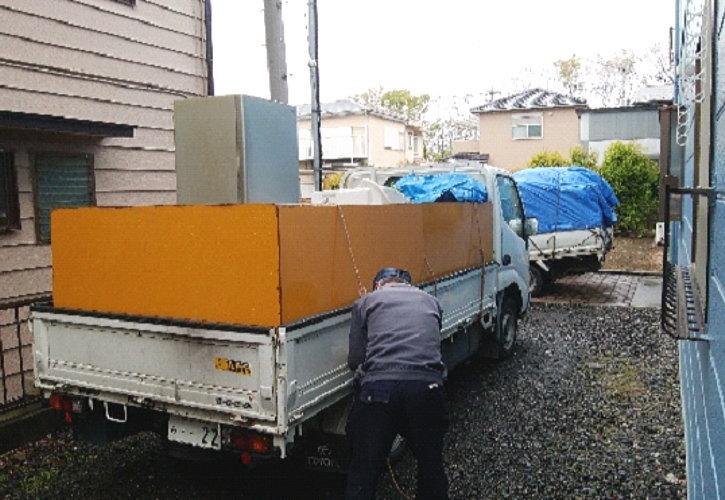 作業は6立米積載トラック3台