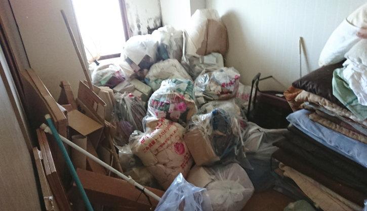 ゴミなどをまとめていたようです。
