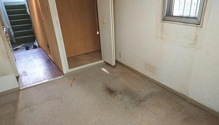 床の掃き掃除