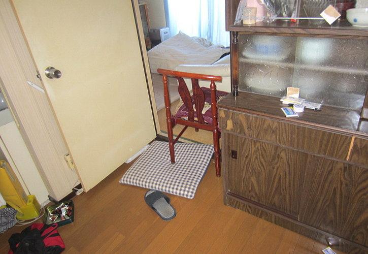 食器棚。綺麗に使用していたようです